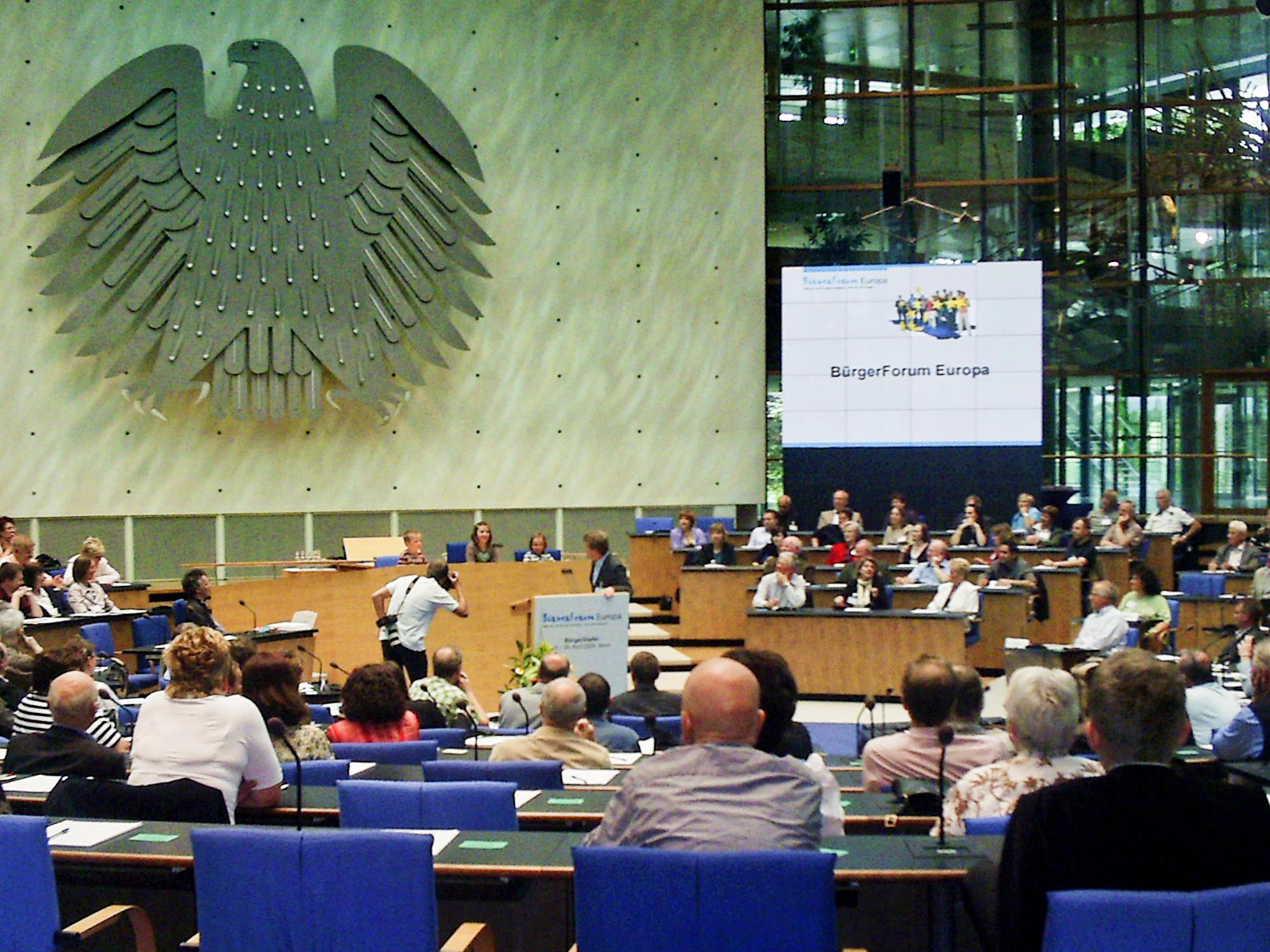 "Evaluation of the Participation Process ""Bürgerforum Europa"""